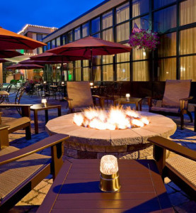 Holiday Inn Express Saratoga Springs - firepit